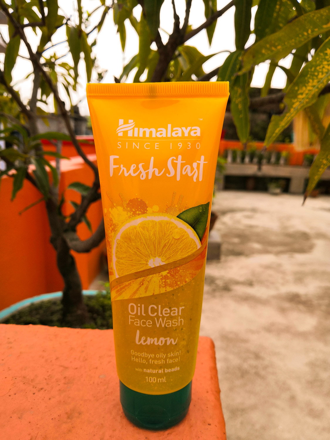 Himalaya Herbals Fresh Start Oil Clear Lemon Face Wash-It does what it says-By susmita_talukdar