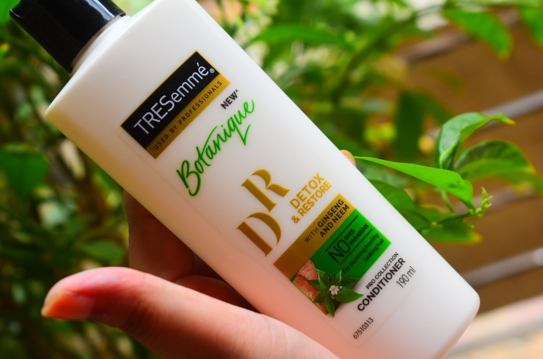 Tresemme Botanique Detox and Restore Conditioner-Great Conditioner for dry hair!-By thatkohlgirl-2