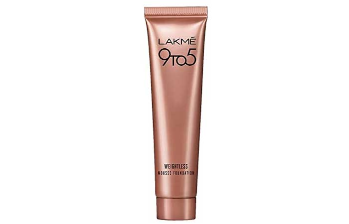 Lakme 9 to 5 Weightless Moose Foundation