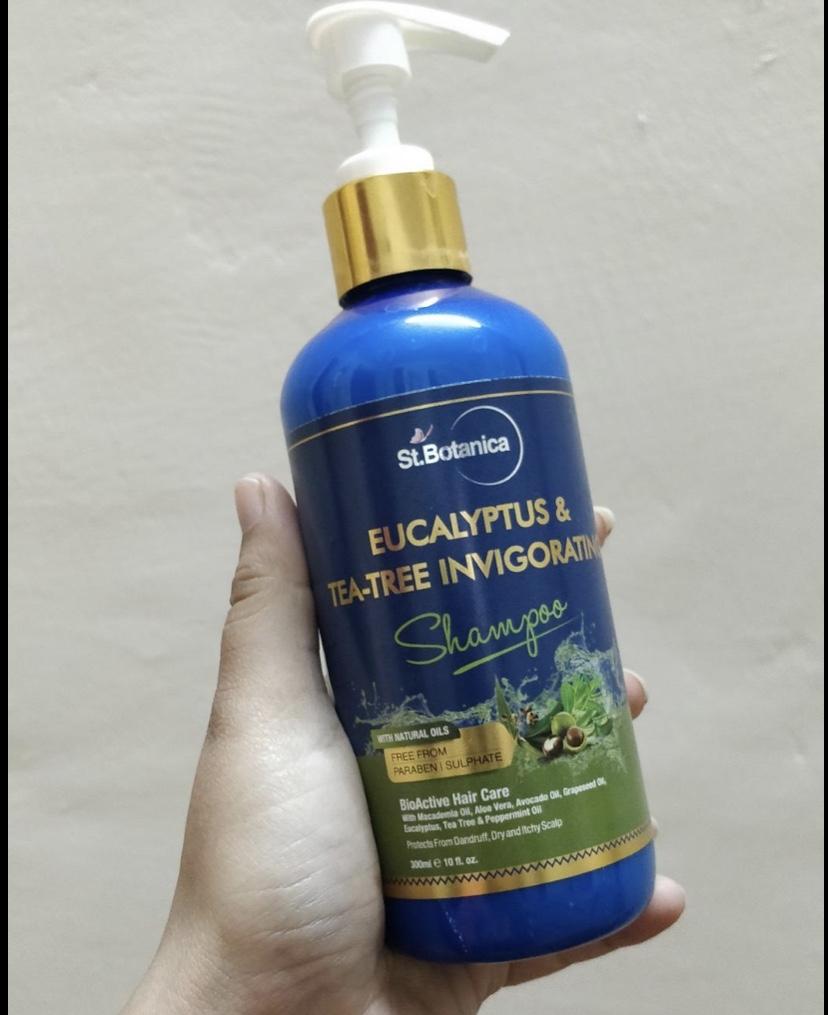 St.Botanica Eucalyptus & Tea Tree Dry Hair Repair Shampoo-Do give it a try-By womaniaa