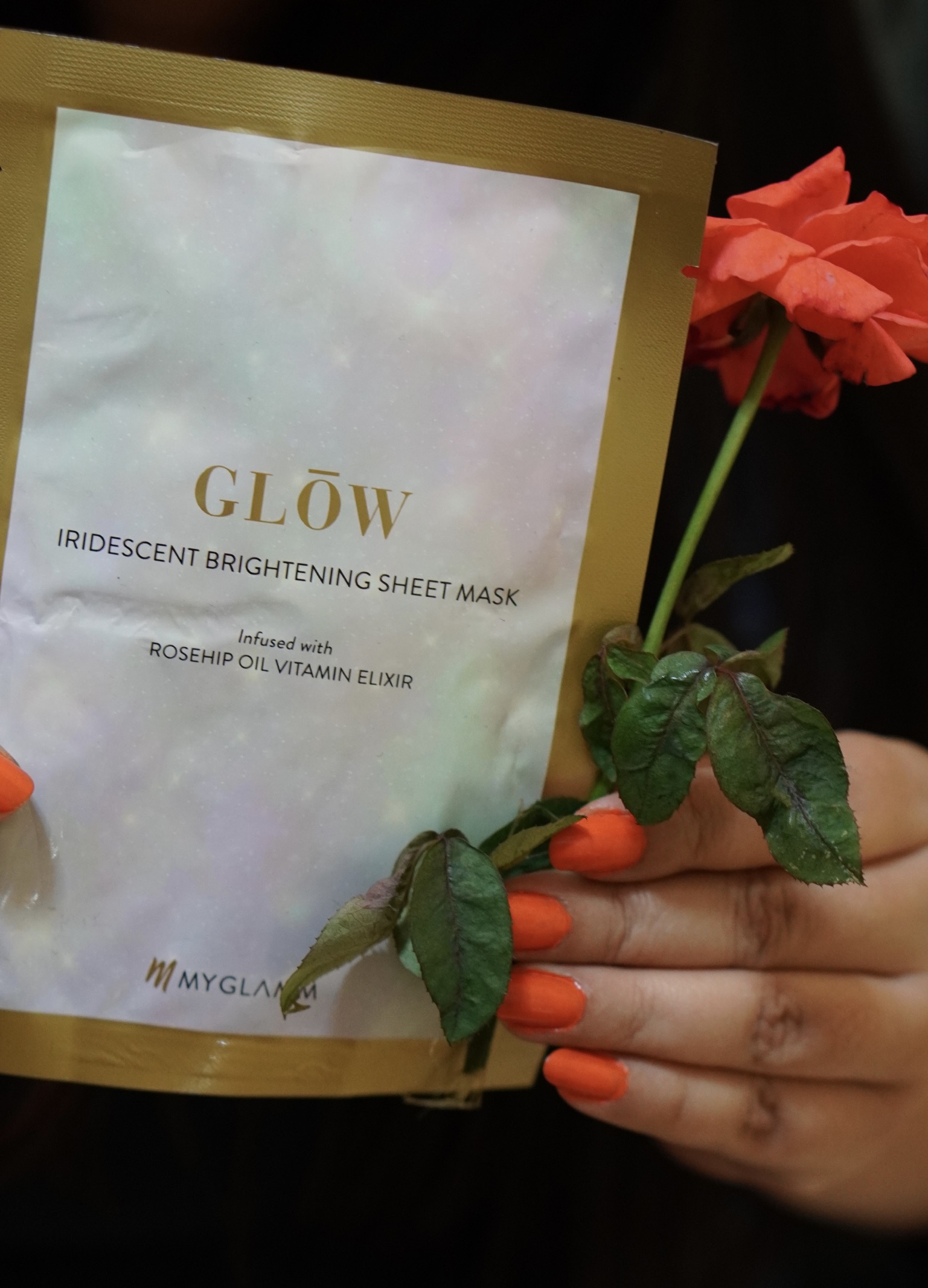 MyGlamm Glow Iridescent Brightening Sheet Mask Rosehip Extract Vitamin Elixir-Glow in NO Time-By lata_