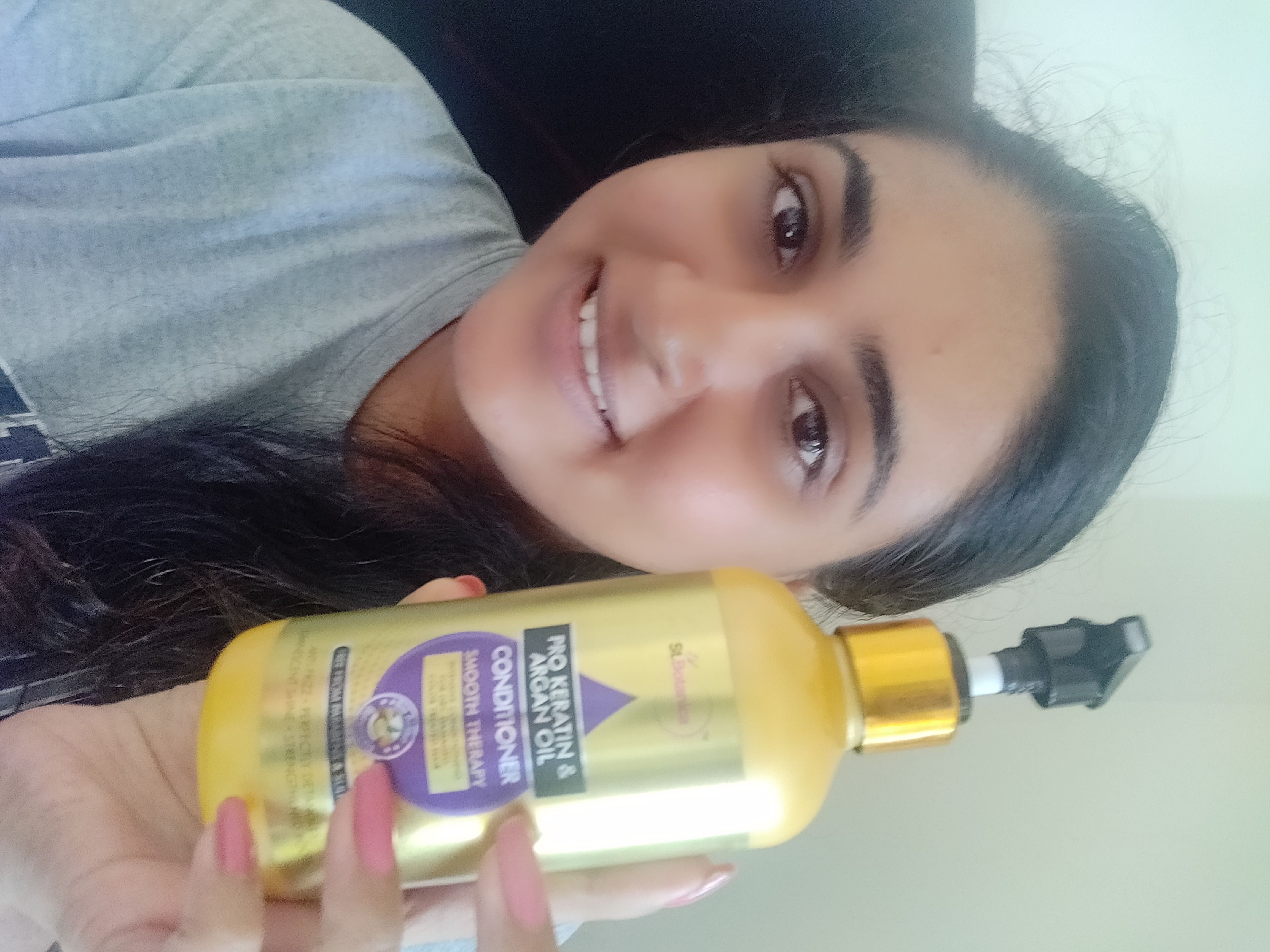StBotanica Pro Keratin & Argan Oil Conditioner-Detangles and Softens My Hair-By saloni18-2