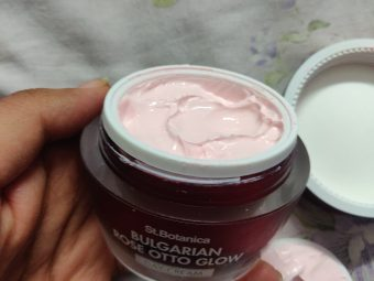 St.Botanica Bulgarian Rose Otto Glow Day Cream pic 2-Glow booster for your skin-By glowbabies_25