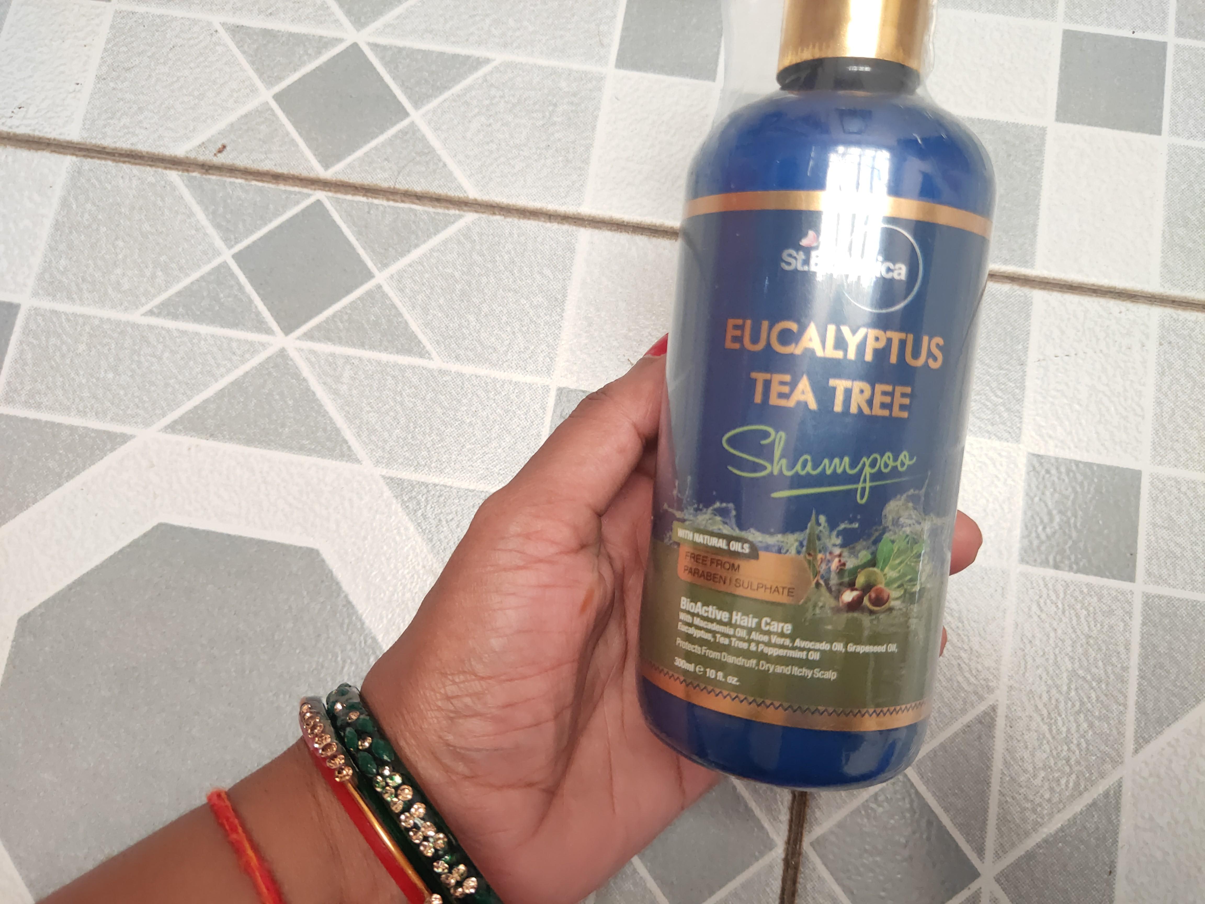 St.Botanica Eucalyptus & Tea Tree Dry Hair Repair Shampoo-Best Shampoo For Clean And Healthy Scalp-By anupama_pandey