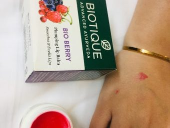Biotique Bio Berry Plumping Lip Balm Smoothes & Swells Lips pic 2-Berry Effective ;)-By tanyaofficial