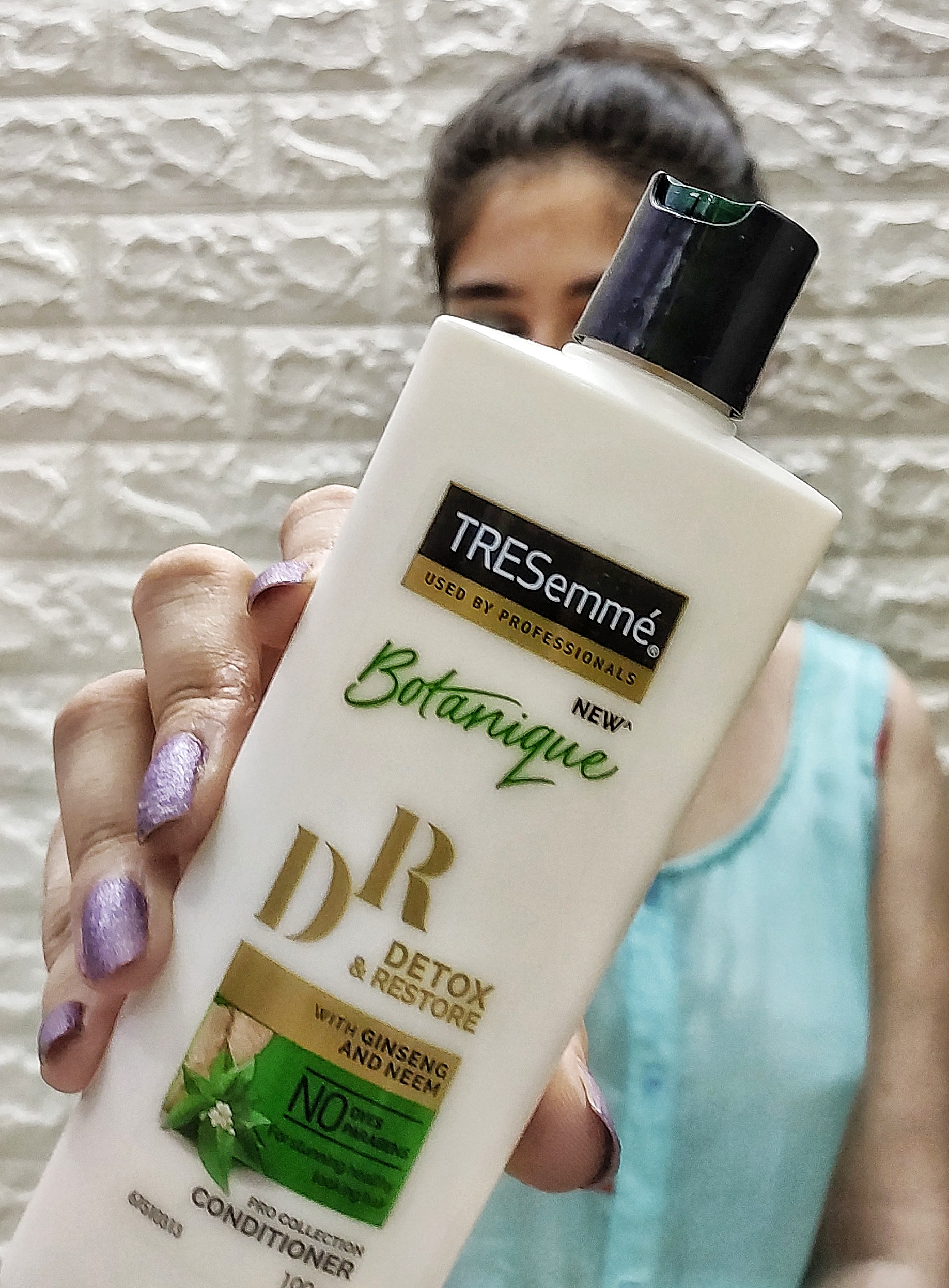 Tresemme Botanique Detox and Restore Conditioner -Best conditioner-By thekaurblog