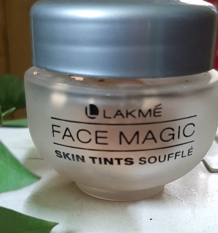 Lakme Face Magic Skin Tints Souffle-Lightweight for Daily Use-By mahira