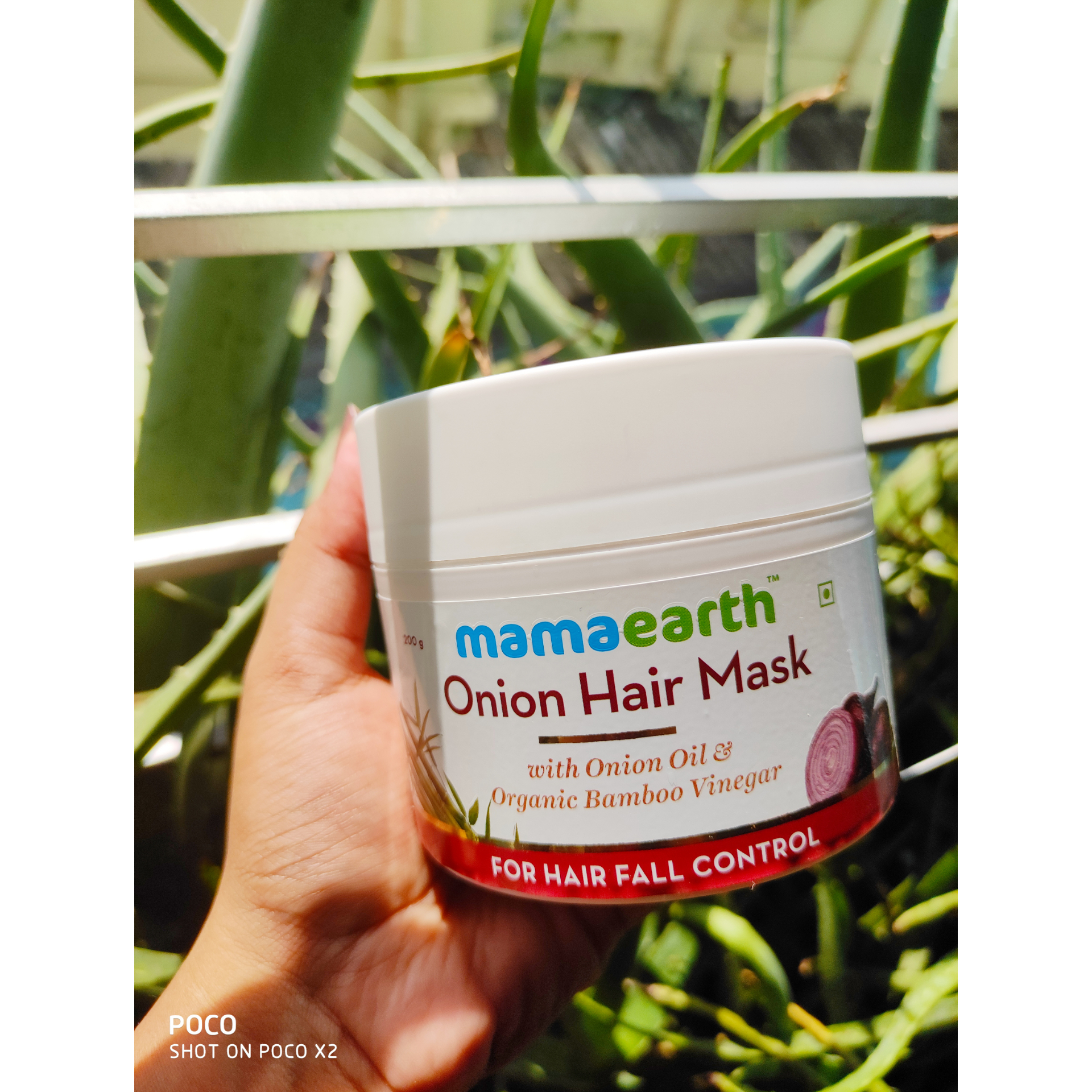 MamaEarth Onion Hair Mask-Smoother and stronger locks-By subhojita_saha