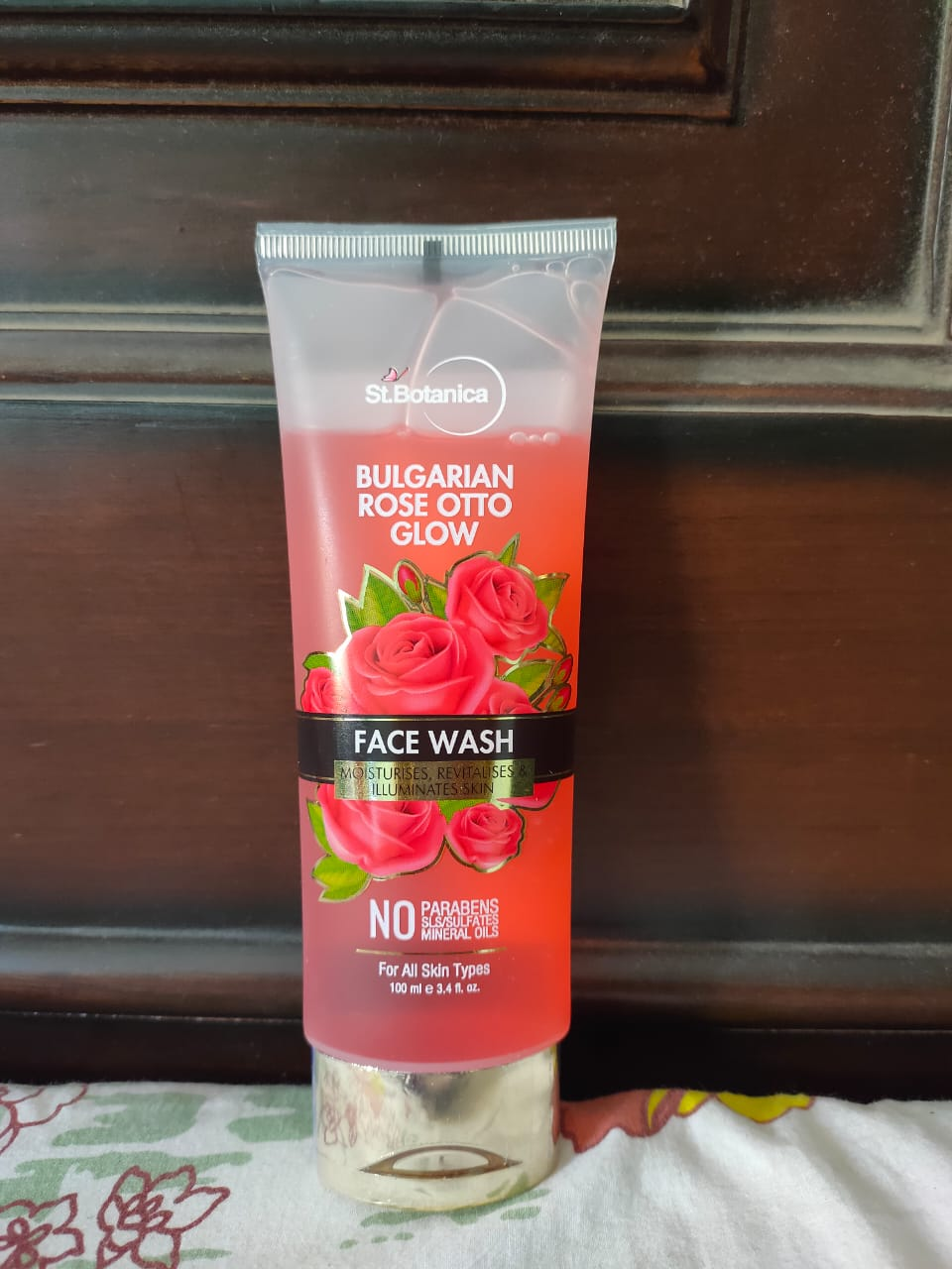 StBotanica Bulgarian Rose Otto Glow Face Wash pic 1-Rejuvenating Face Wash-By rsravani