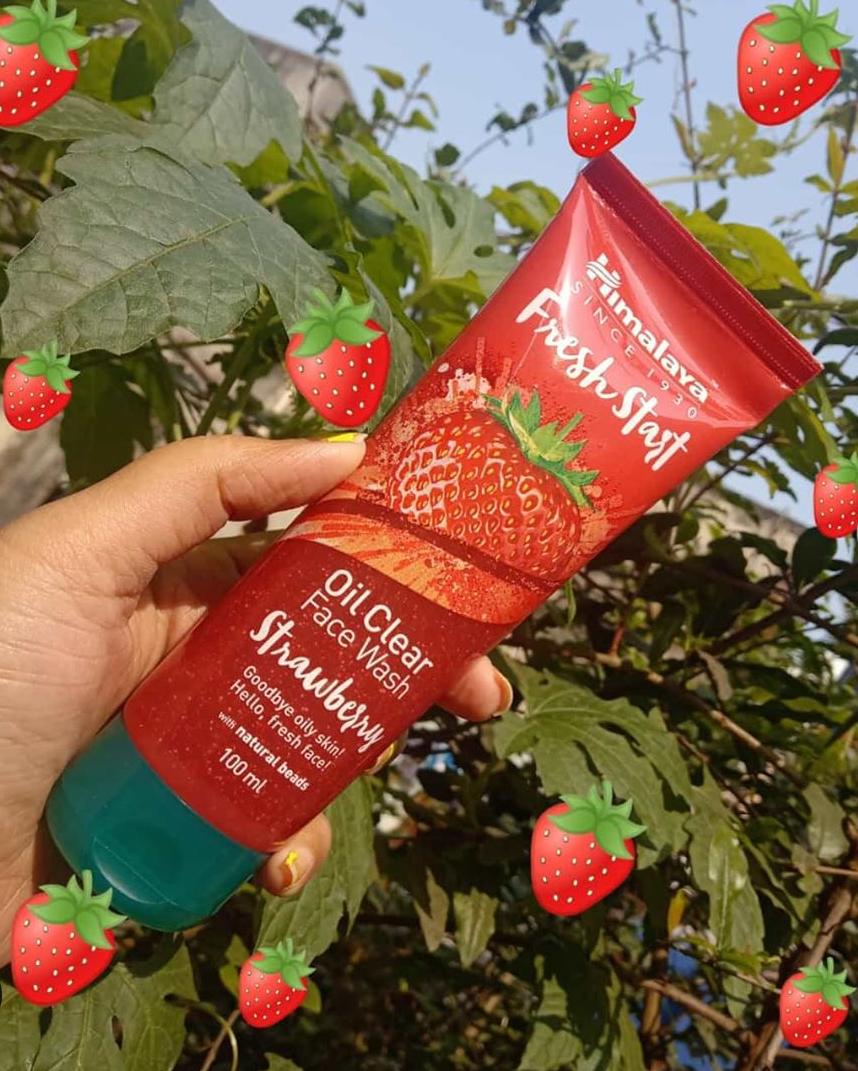 Himalaya Herbals Fresh Start Oil Clear Strawberry Face Wash-Good Facewash for Oily Skin-By sonamprasad66