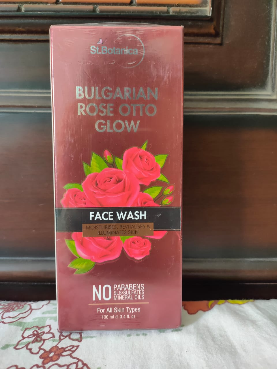 StBotanica Bulgarian Rose Otto Glow Face Wash pic 2-Rejuvenating Face Wash-By rsravani