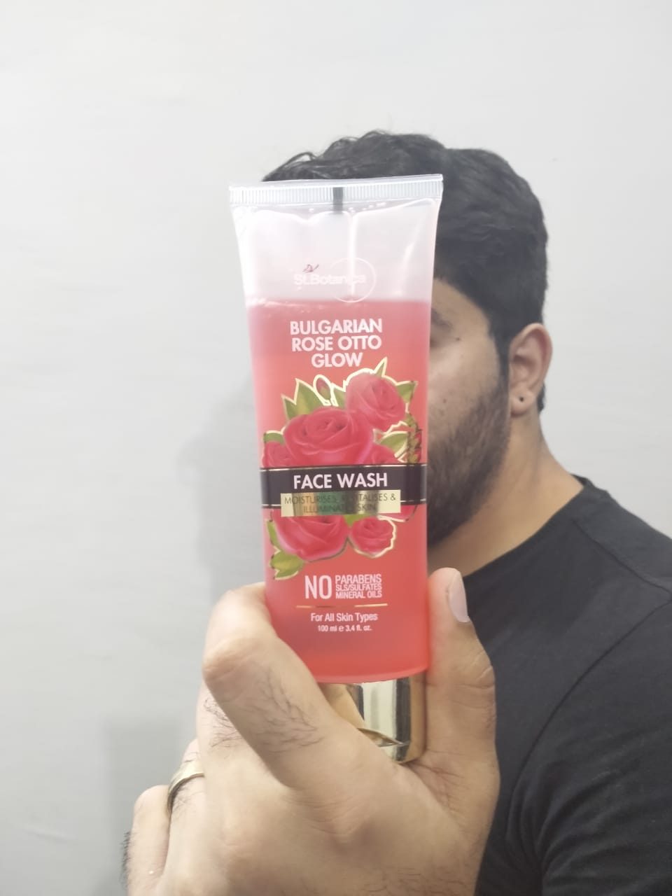 StBotanica Bulgarian Rose Otto Glow Face Wash pic 2-Suitable for all skin types-By saad