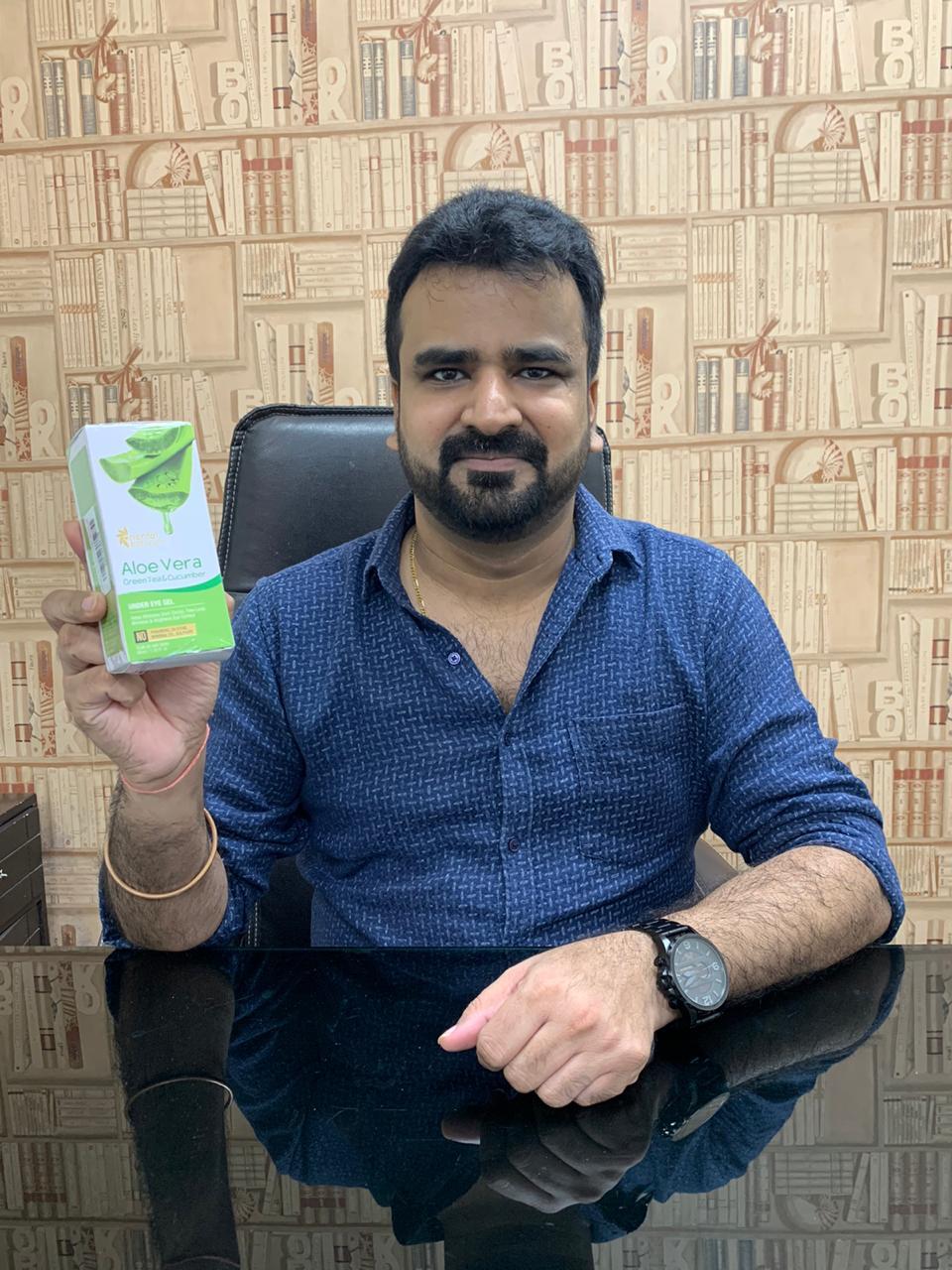 Oriental Botanics Aloe Vera Green Tea & Cucumber Under Eye Gel pic 1-The best under eye gel purchase ever !-By maayankjaiin