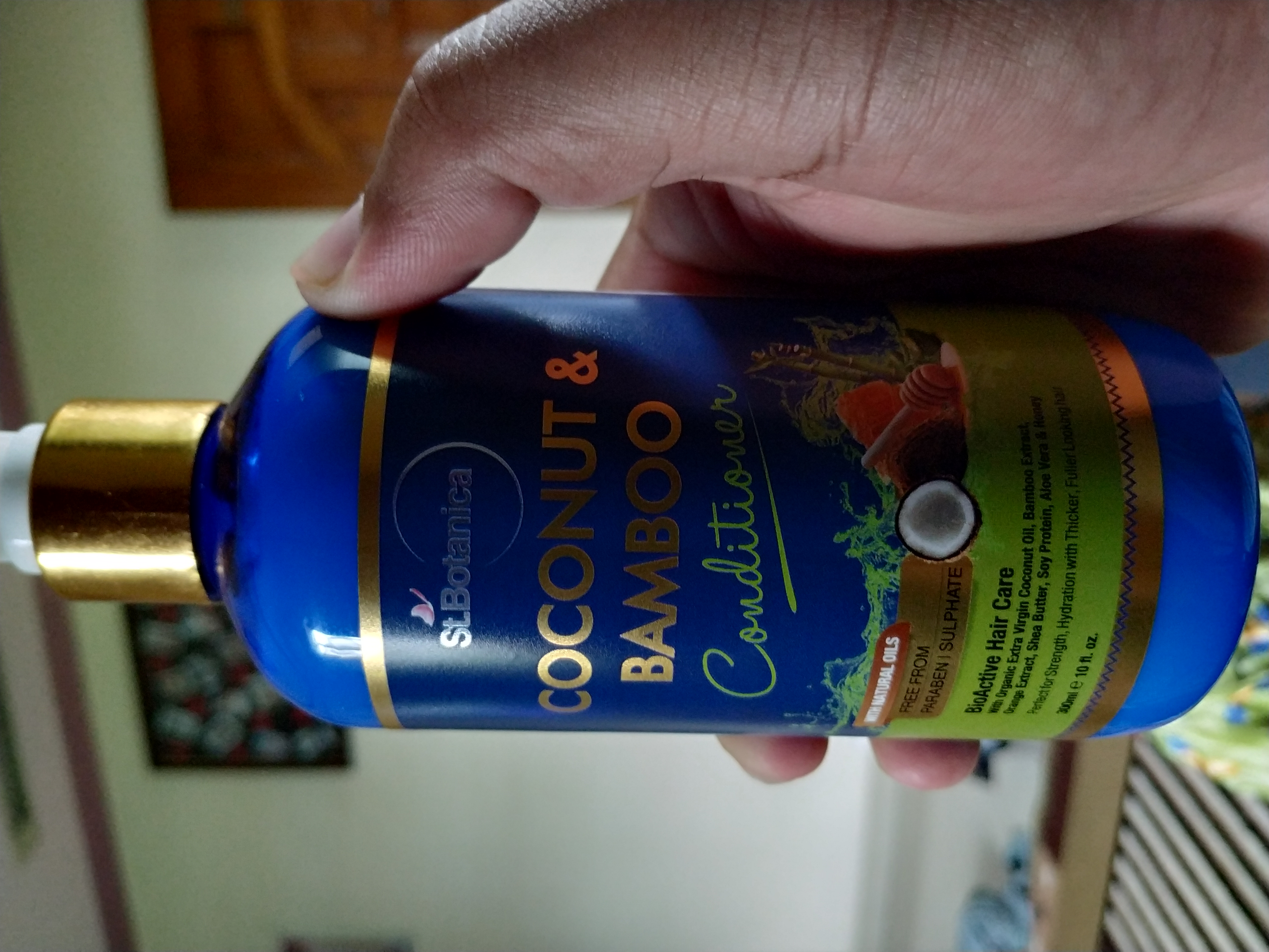 St.Botanica Coconut & Bamboo Hair Conditioner-Really good for Dry Hairs-By fudophobia