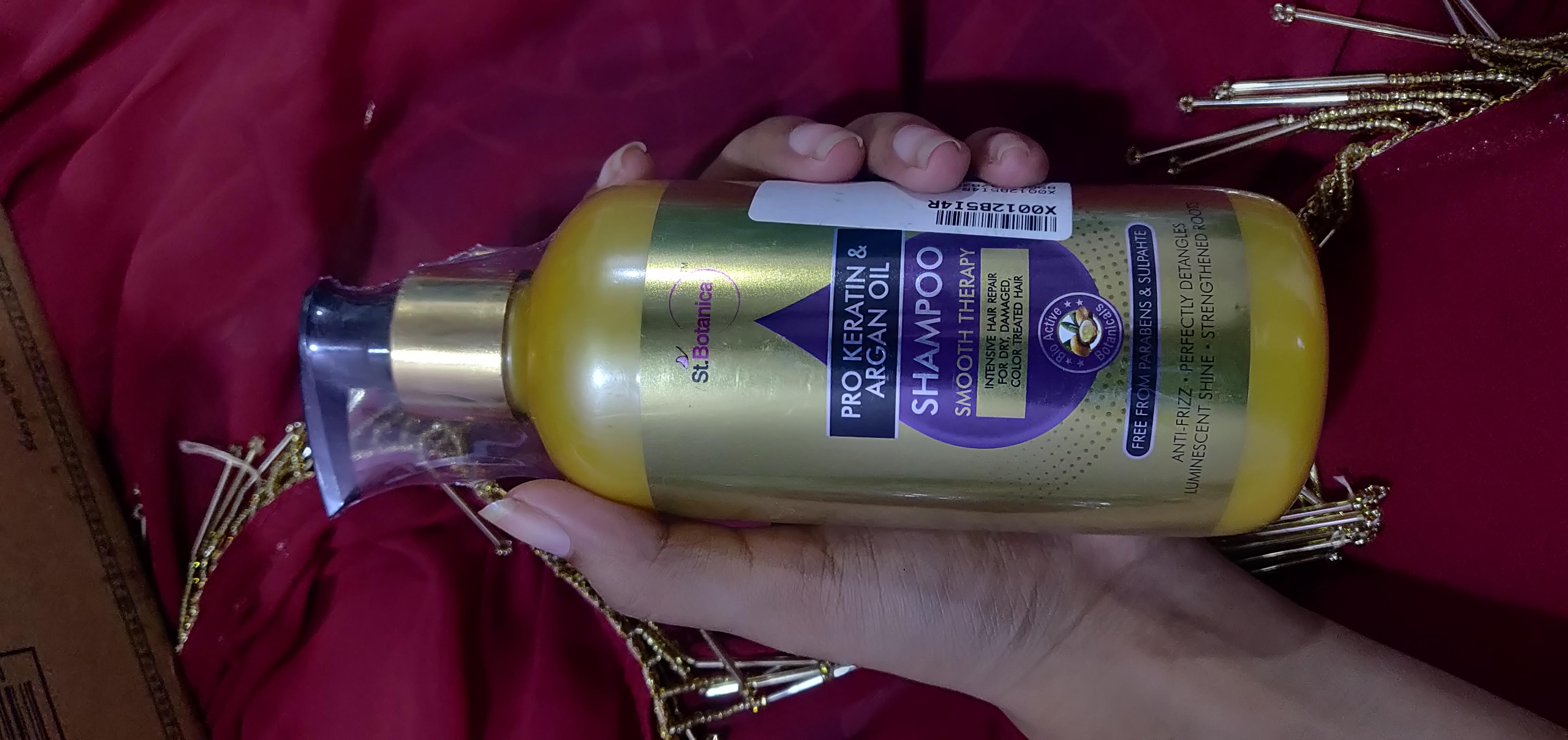 St.Botanica Pro Keratin & Argan Oil Shampoo-Average shampoo-By vaishvita-2