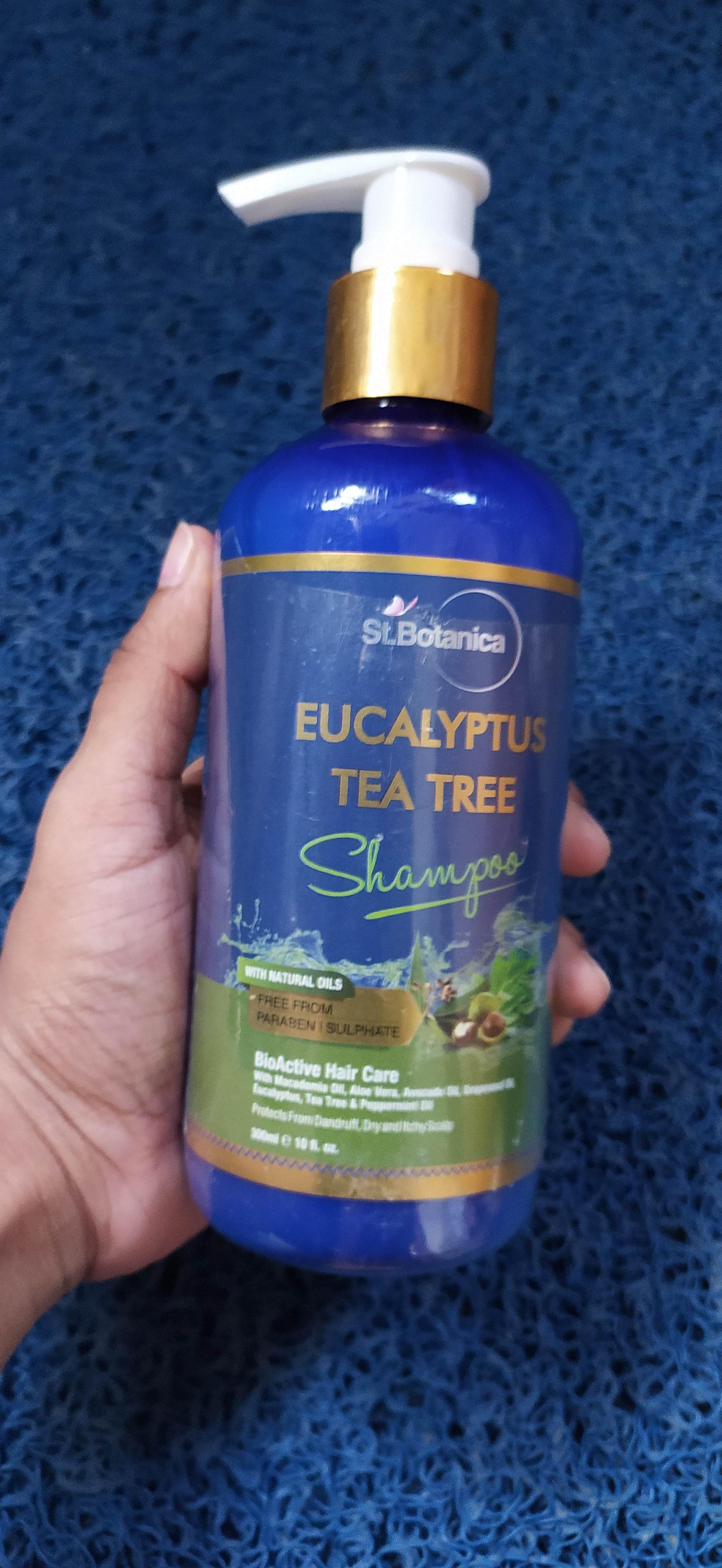 St.Botanica Eucalyptus & Tea Tree Dry Hair Repair Shampoo-Nice product-By gaurkanika