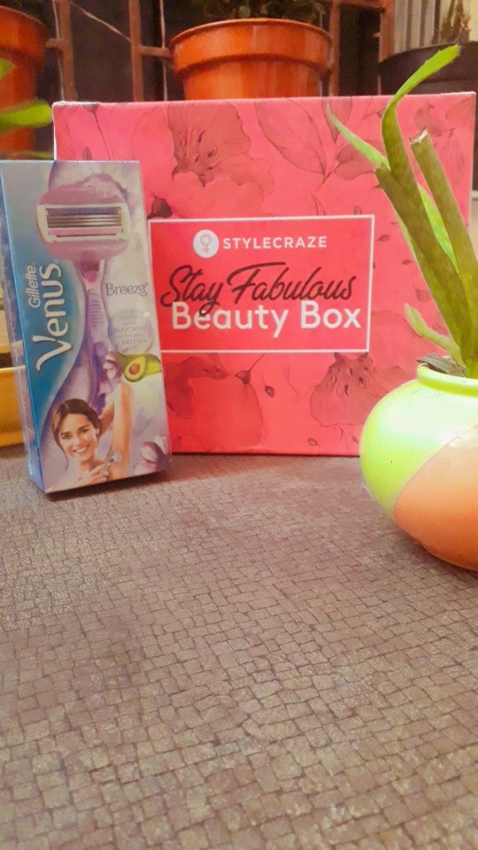 Gillette Venus Breeze Razor-Hair less and an extra smooth skin-By laila_chakraborty_-3