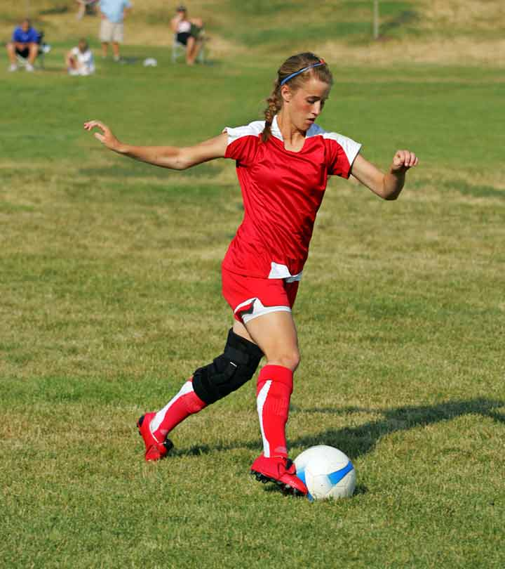13 Best Knee Braces For Soccer Players