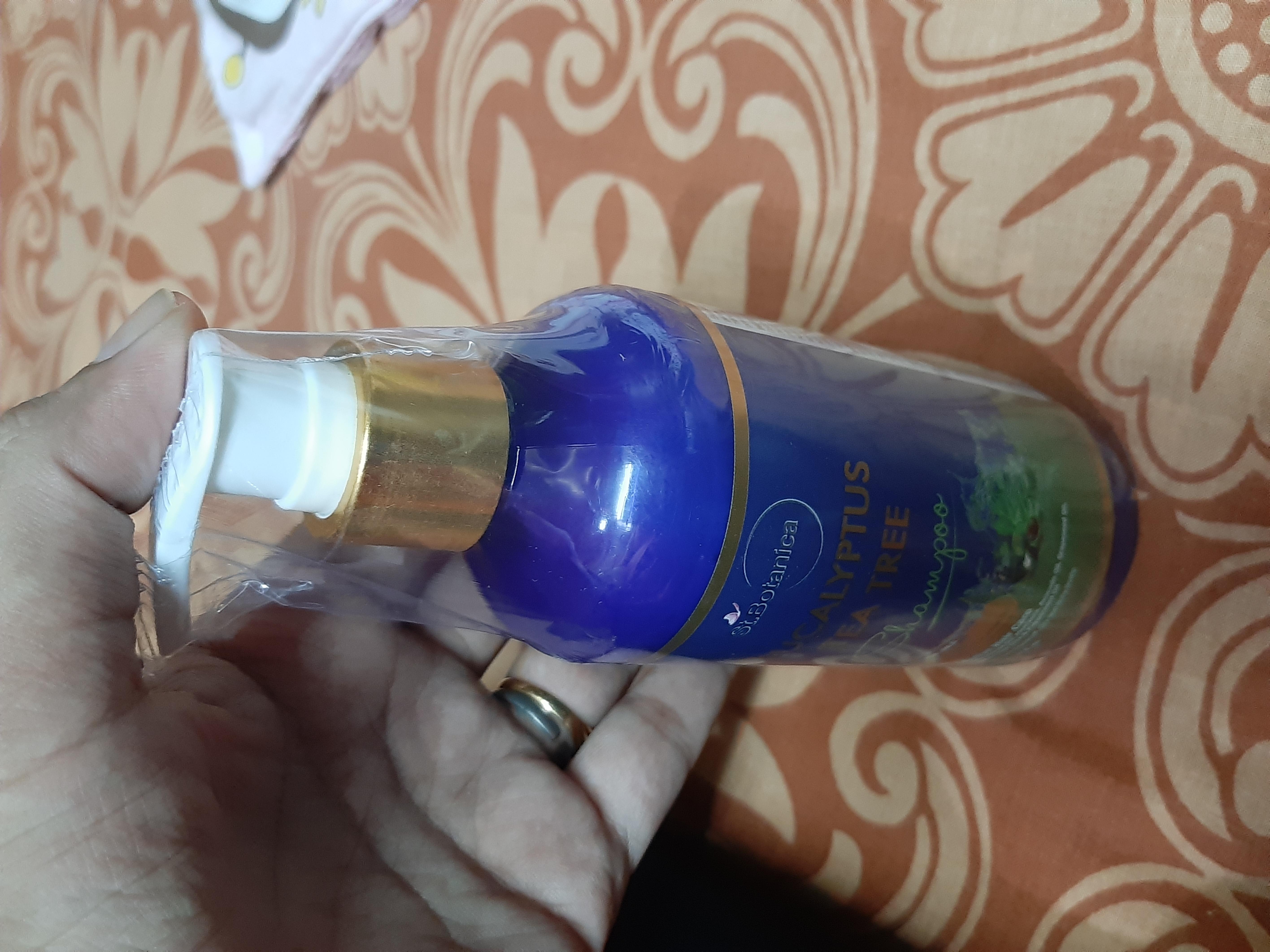 St.Botanica Eucalyptus & Tea Tree Dry Hair Repair Shampoo pic 2-Best as described-By sonalig7