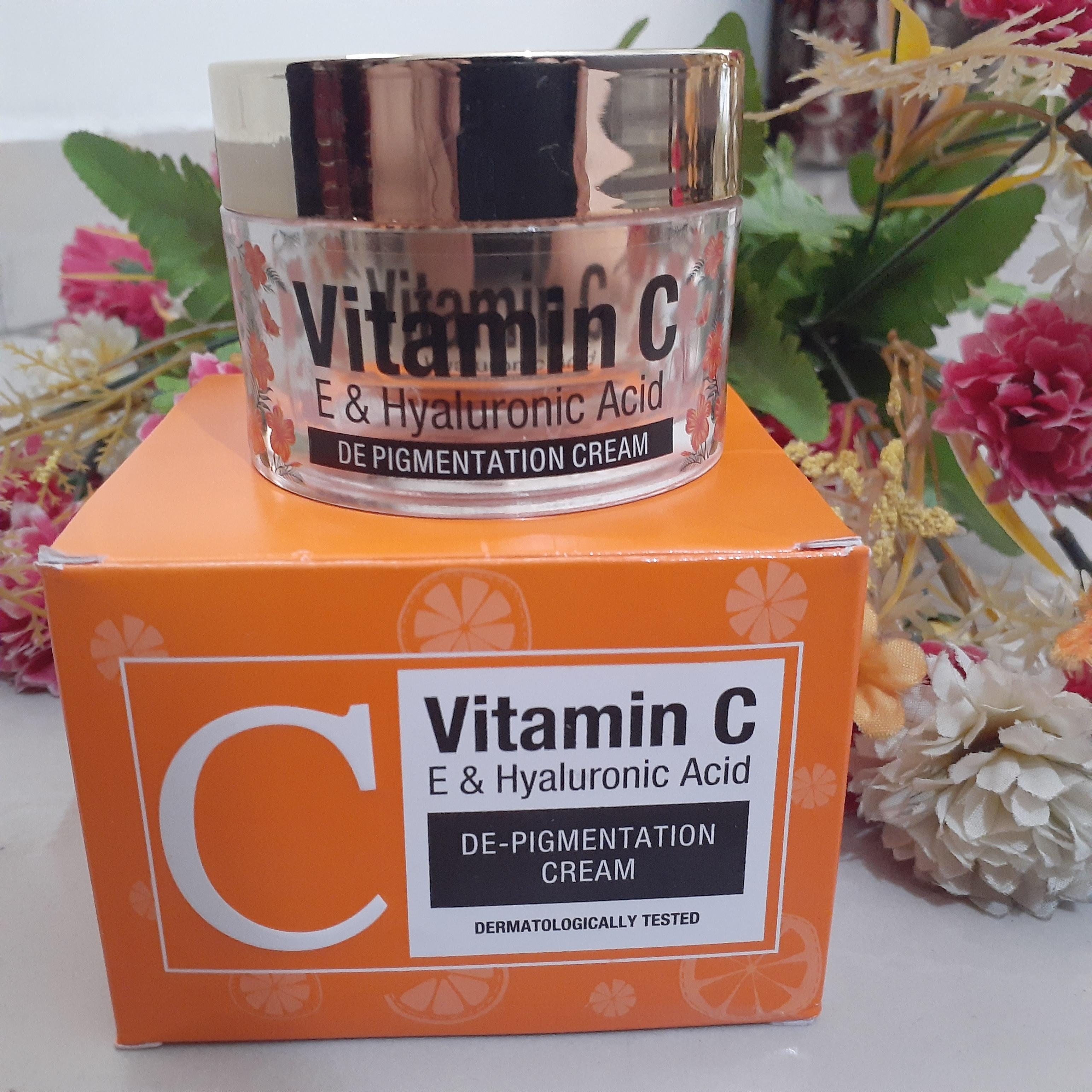 St.Botanica Vitamin C, E & Hyaluronic Acid DePigmentation Cream-Great texture-By sweety_tripathi