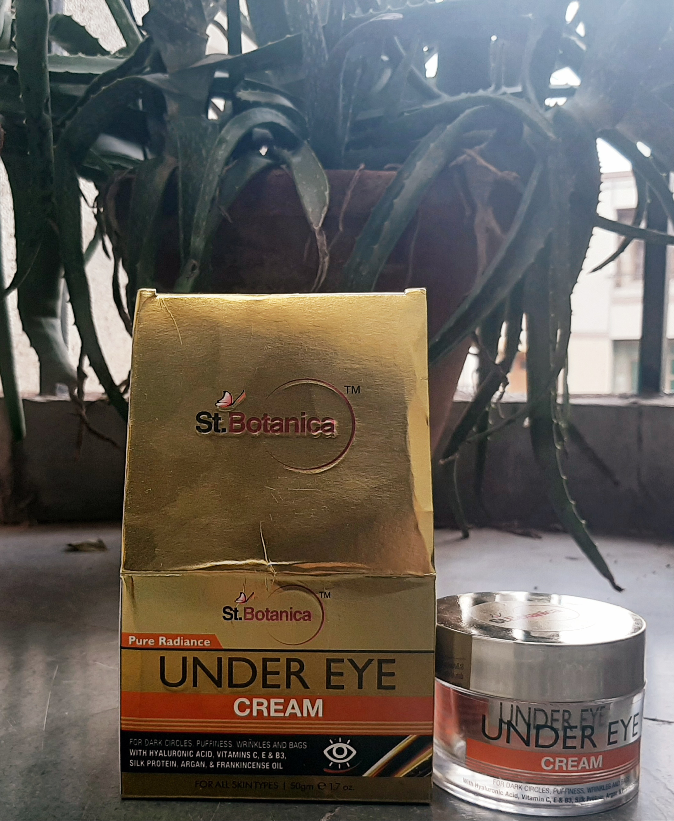StBotanica Pure Radiance Under Eye Cream-No dark circles and wrinkles-By renu_sharma_