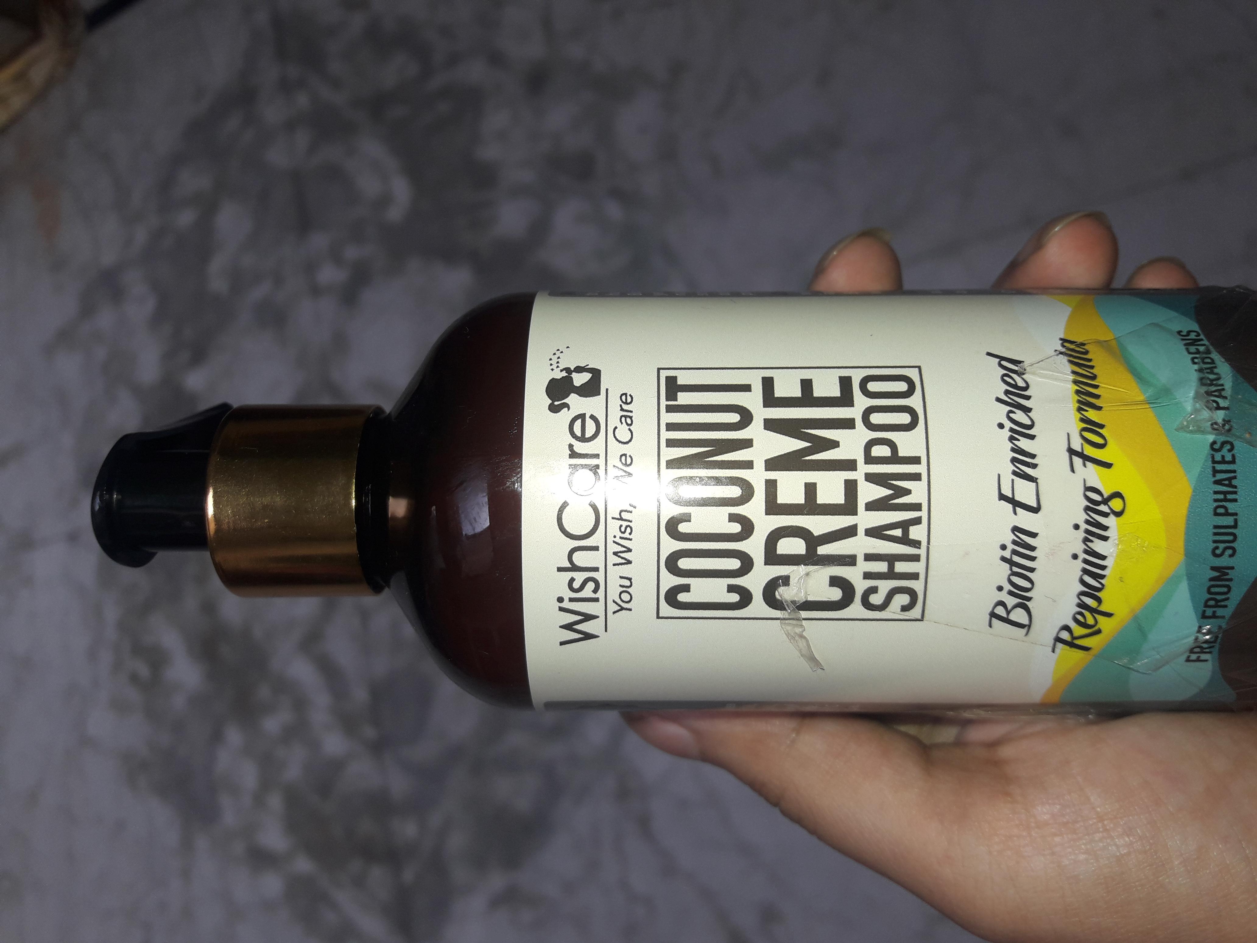 WishCare Coconut Creme Shampoo With Biotin-WishCare coconut creme shampoo with biotin review-By sarahshaikh007