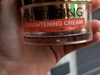 St.Botanica Pure Radiance Anti Aging & Brightening Cream pic 2-Happy with it-By g_u_n_j_u