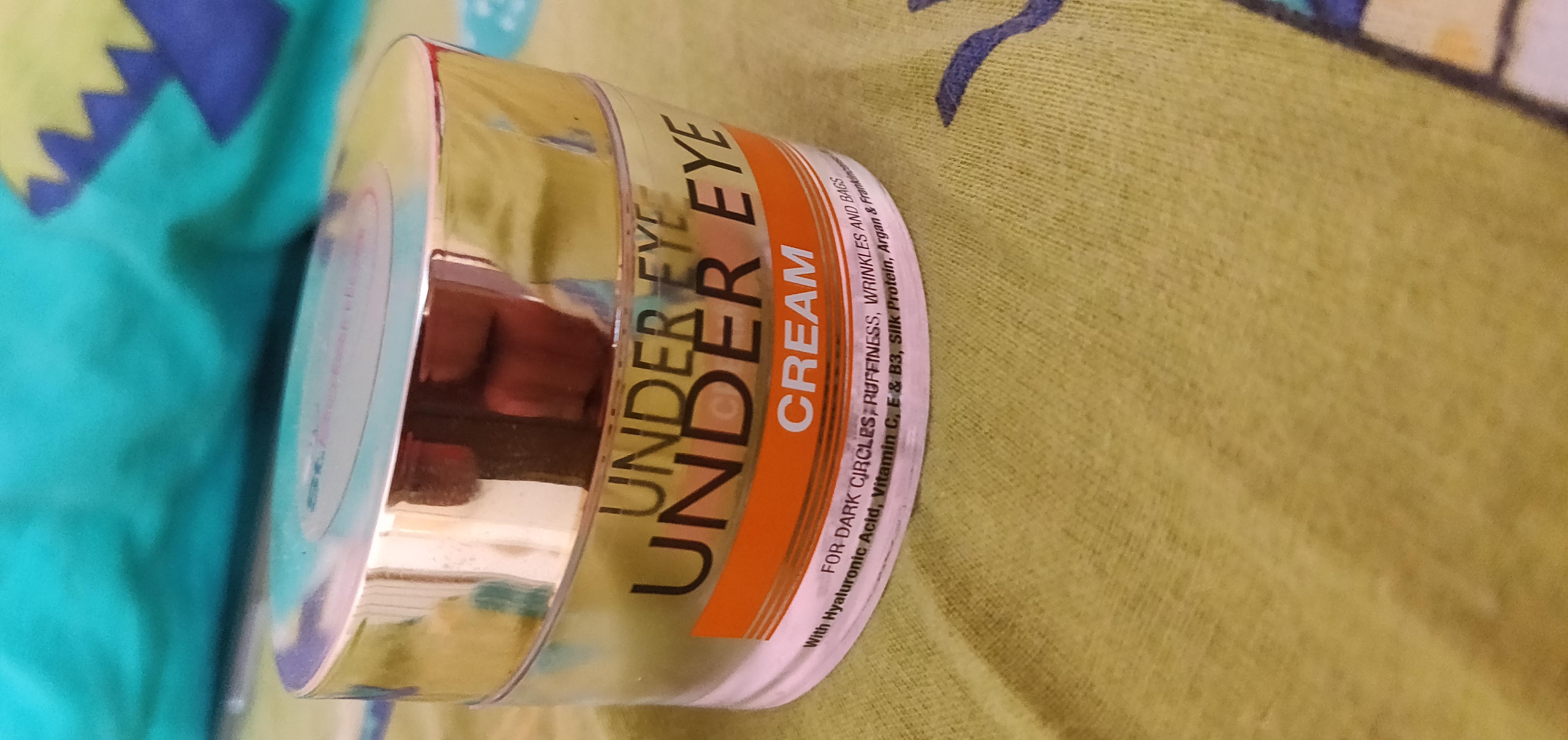 StBotanica Pure Radiance Under Eye Cream -Very effective under eye cream-By swatiaggarwal