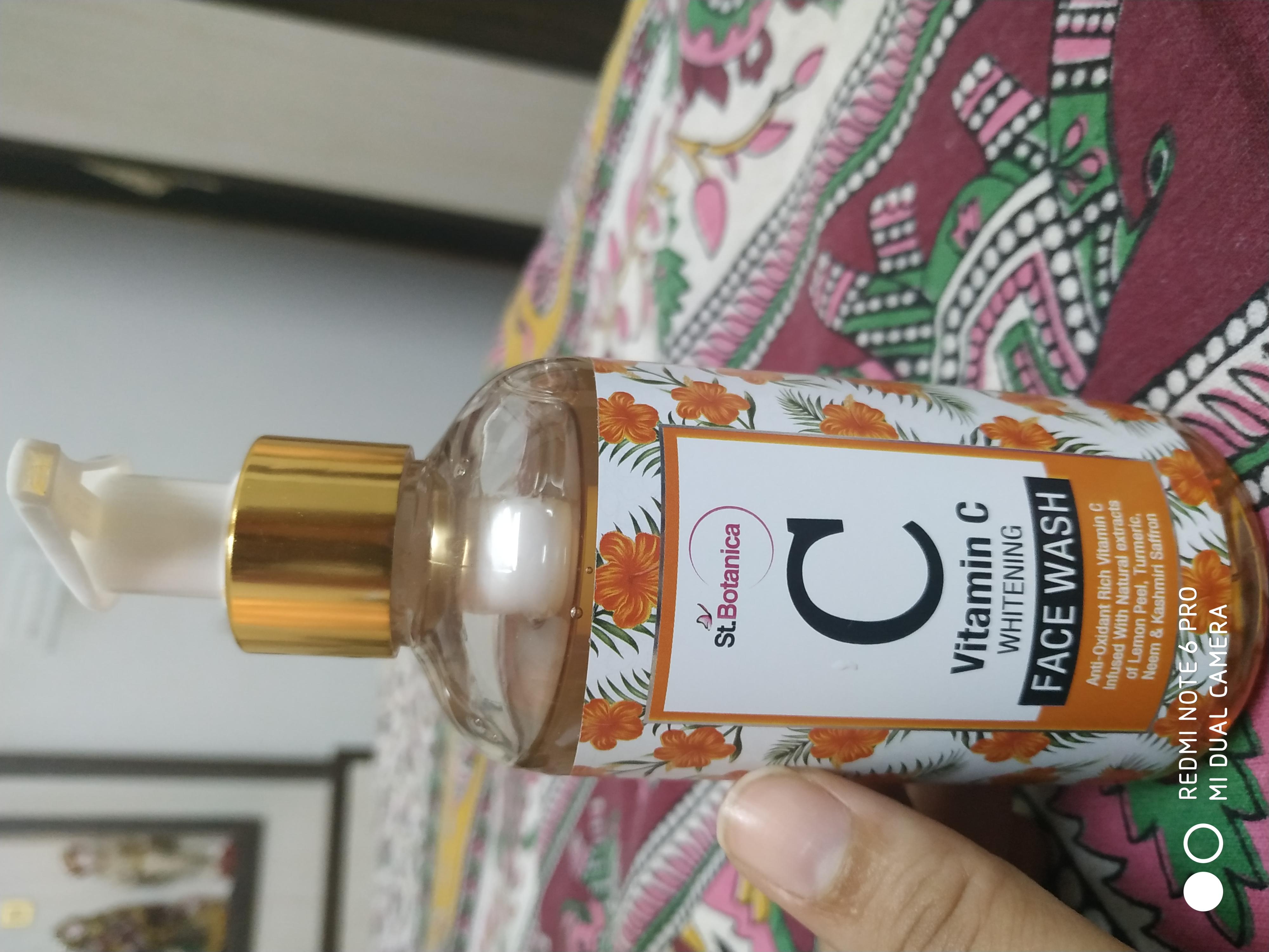 St.Botanica Vitamin C Face Wash-Rich vitamin wash-By taniyajoshi13