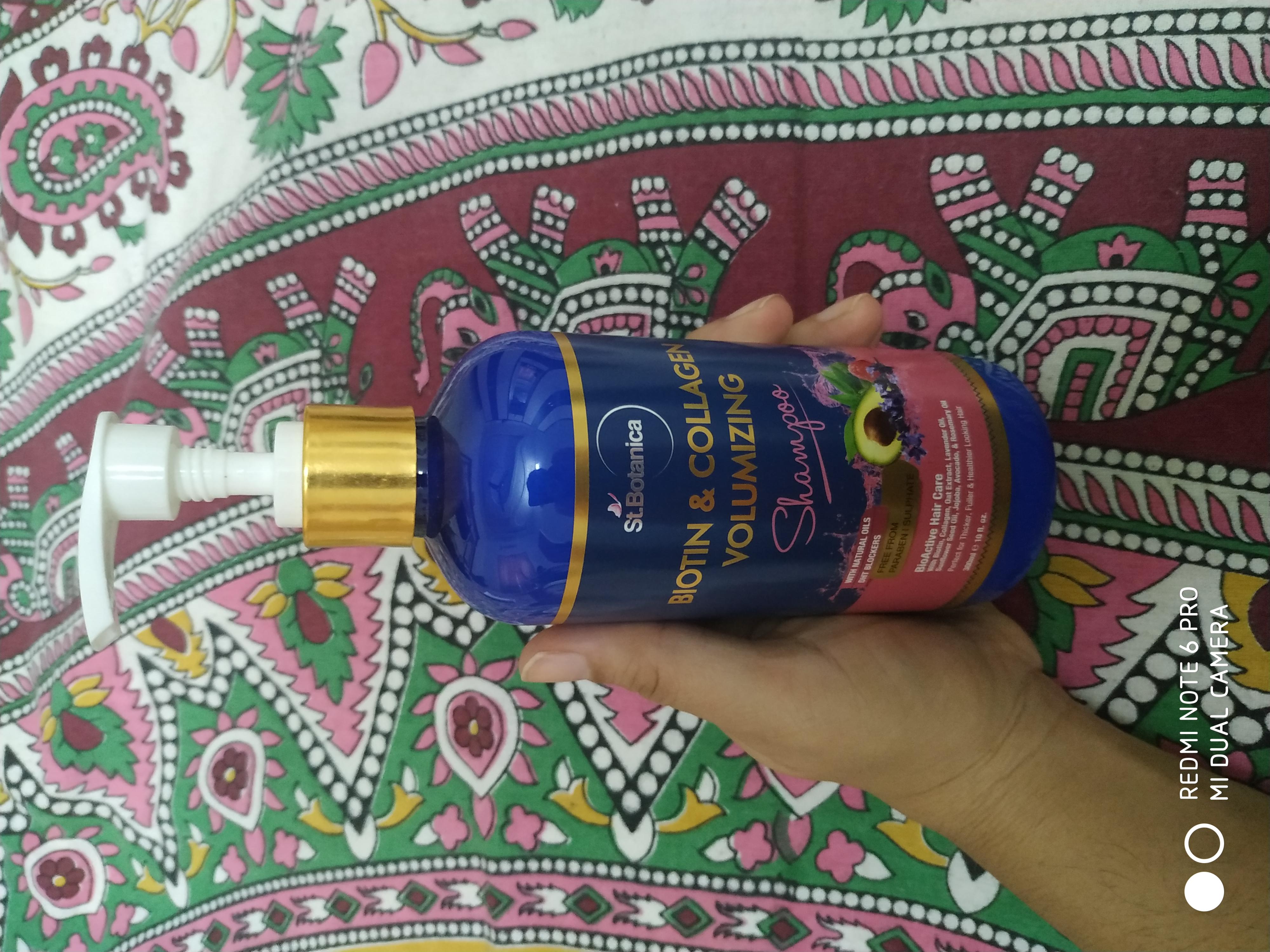 St.Botanica Biotin & Collagen Volumizing Hair Shampoo-Bouncy hair-By taniyajoshi13