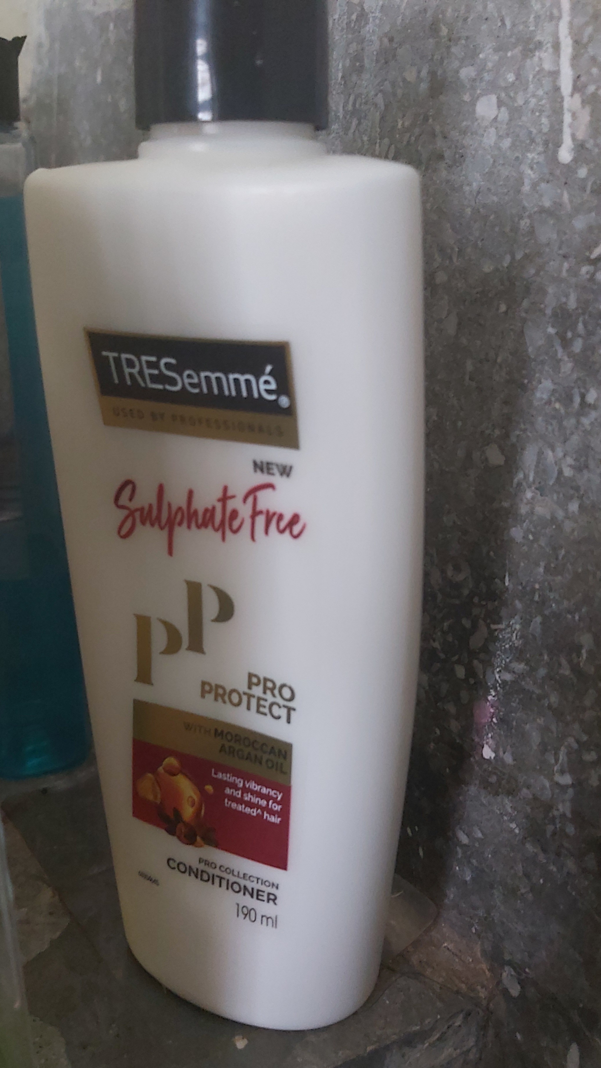 Tresemme Pro Protect Sulphate Free Conditioner -Frizz free conditioning-By sushila_rawat_