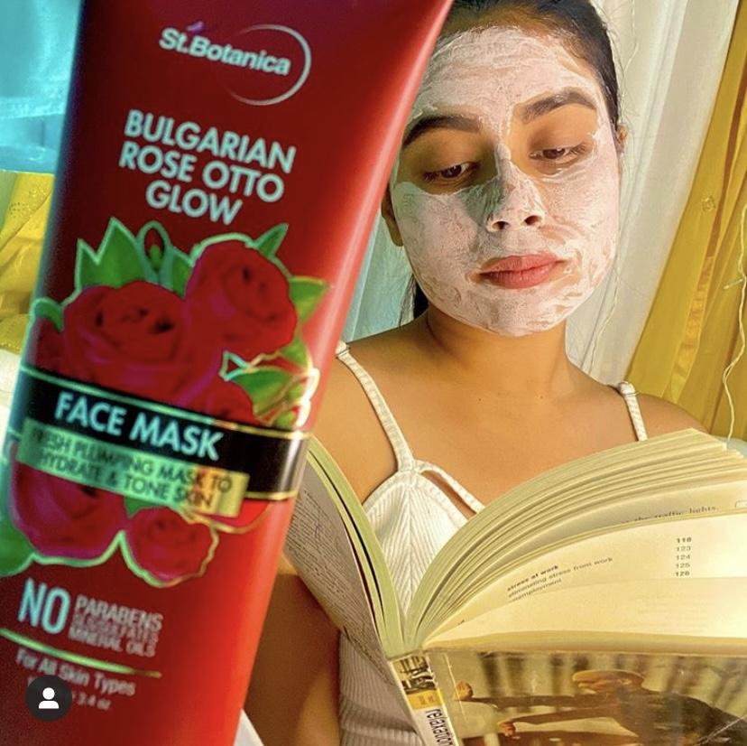 St.Botanica Bulgarian Rose Otto Glow Body Scrub-Best Refreshing Face Pack-By manisha.dimri22