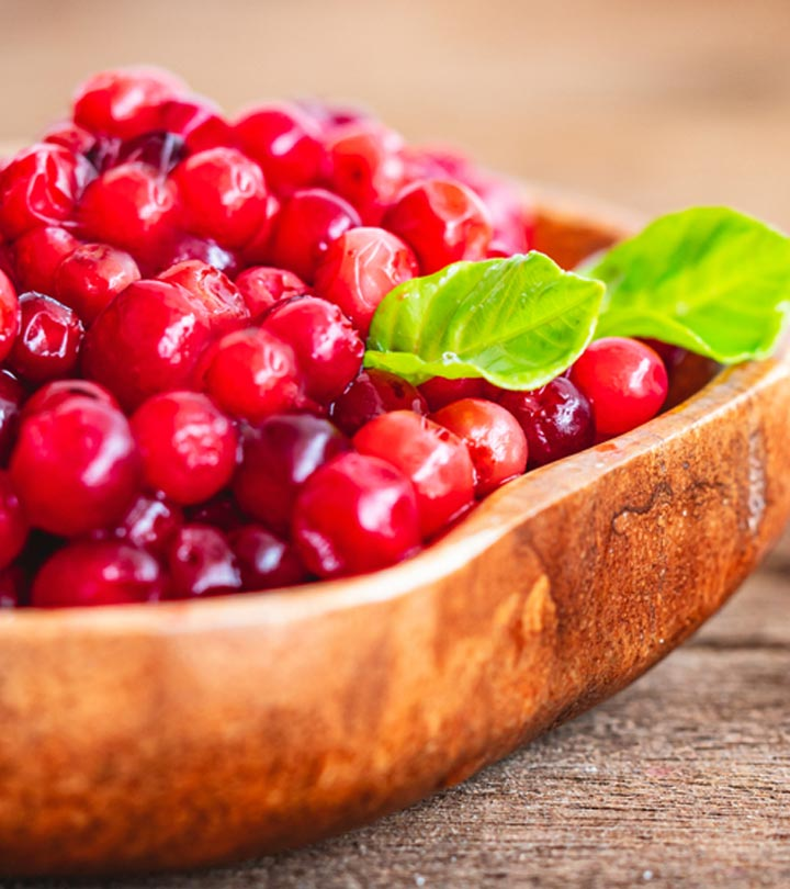 All About Cranberries in Bengali