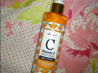 St.Botanica Vitamin C Brightening Body Lotion -Must buy moisturize, brighten and smell amazing.-By thatbabe