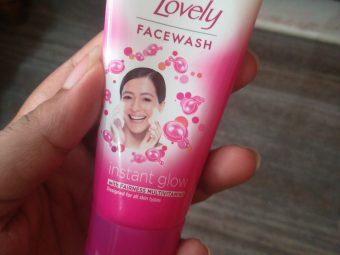 Fair & Lovely Instant Glow Clean Up Fairness Face Wash -Brightening facewash-By vaishnavi11
