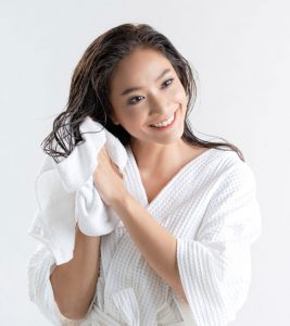 How To Wash Hair Without Shampoo 6 Simple Ways To Try