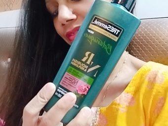 Tresemme Botanique Nourish And Replenish Shampoo -My favourite shampoo-By asmakhan
