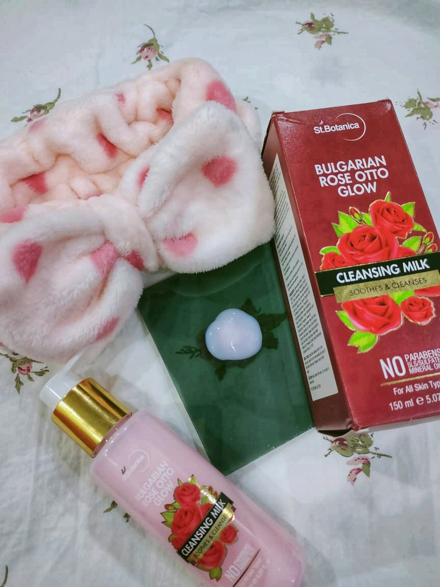 StBotanica Bulgarian Rose Otto Glow Cleansing Milk-Nice product-By flappergurrl_monika-1