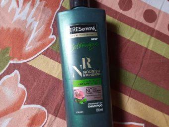 Tresemme Botanique Detox & Restore Shampoo -Amazing product-By aditi_bajpai