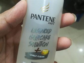 Pantene Pro-V Lively Clean Shampoo -Clear shampoo-By vaishnavi11