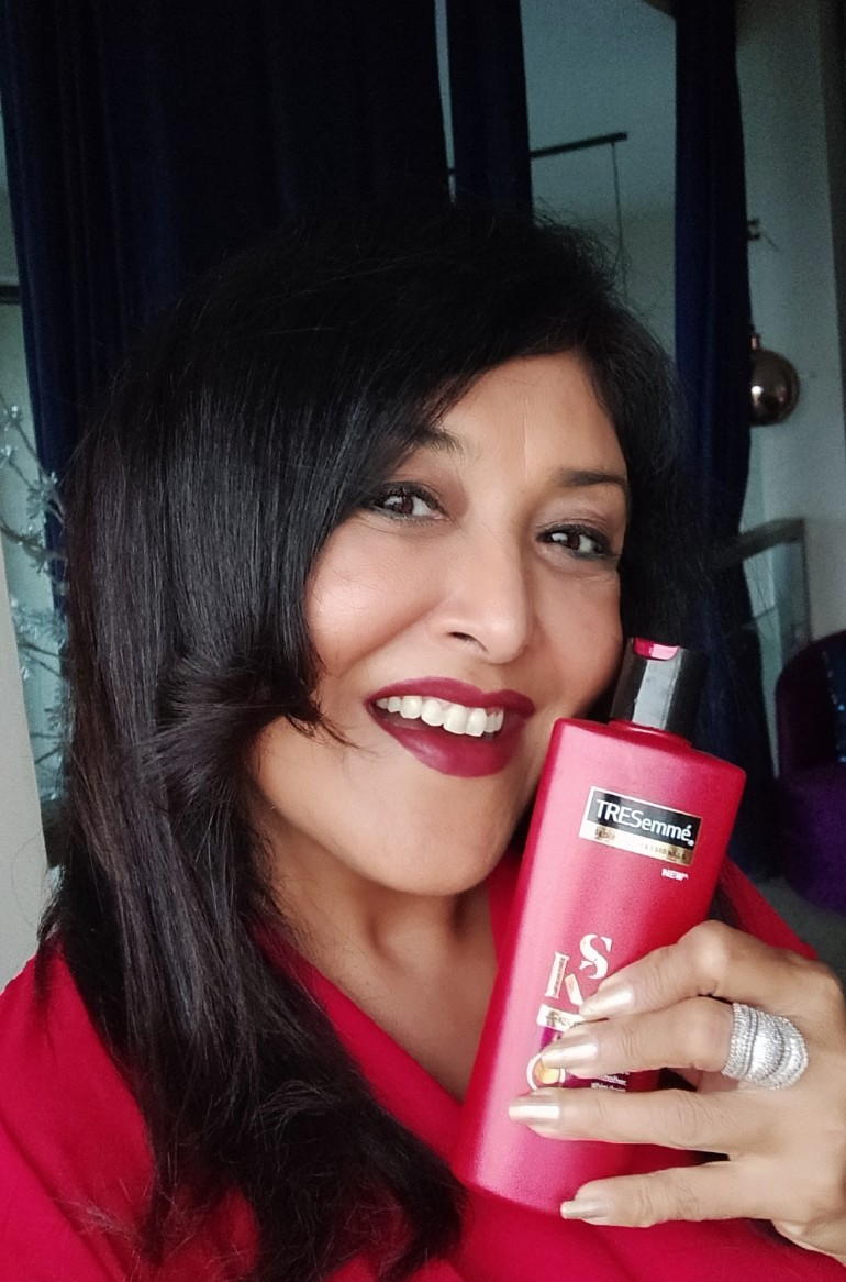Tresemme Keratin Smooth Infusing Shampoo-I was looking for Happy Hair Day ! Got it !-By anjulikab