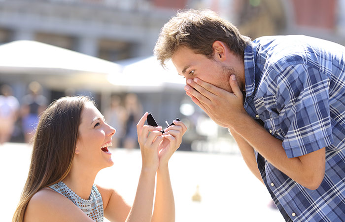 25+ Romantic Ideas - How To Propose A Boy In Hindi
