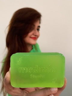 Medimix Ayurvedic Natural Glycerine soap with Lakshadi Oil pic 3-Suitable for all skin types-By livydang89