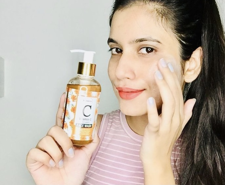 St.Botanica Vitamin C Face Wash -Helps in reducing blemishes-By priyaarora17
