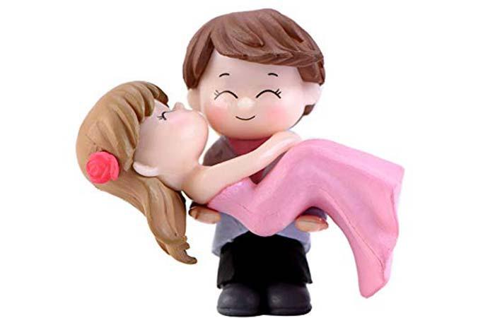 Couple hug miniature