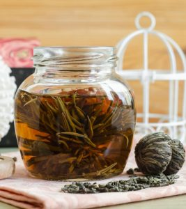 How To Make A Tea Hair Rinse Benefits And Side Effects