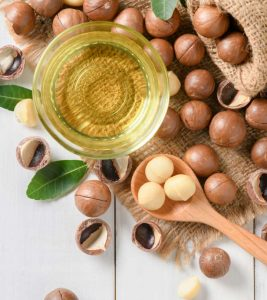 Macadamia Oil For Hair – Benefits And How To Use
