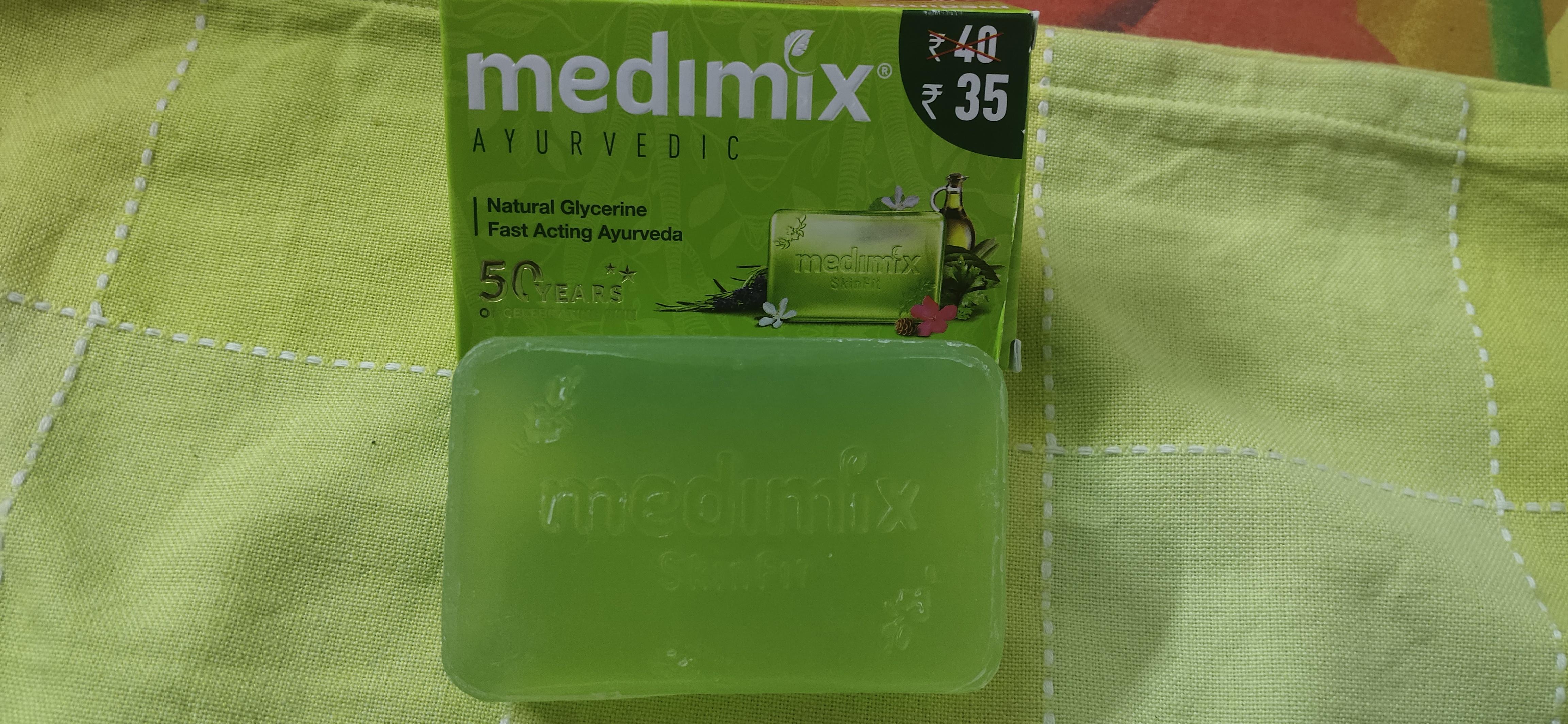 Medimix Ayurvedic Natural Glycerine soap with Lakshadi Oil pic 1-Super effective-By srishti10