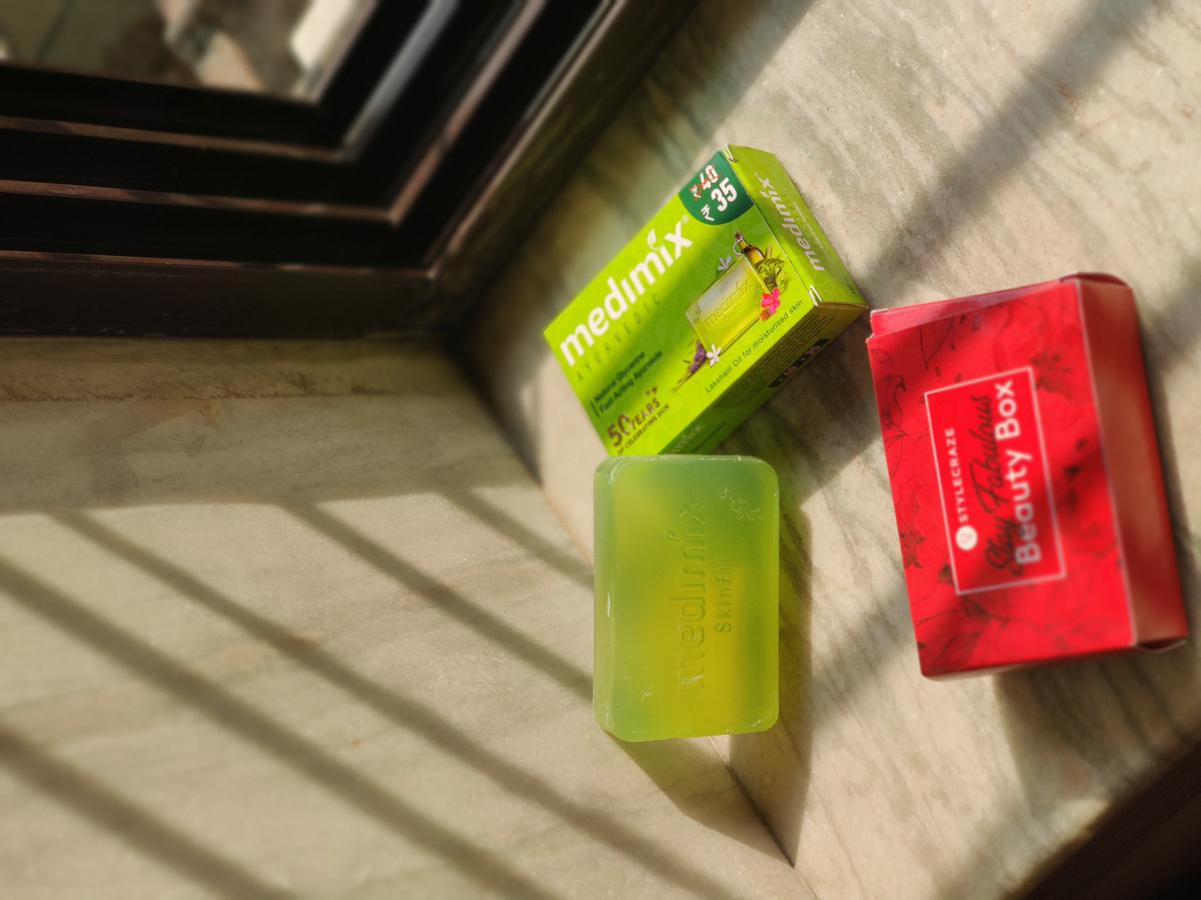 Medimix Ayurvedic Natural Glycerine soap with Lakshadi Oil pic 3-Natural Bathing Soap-By reviews_by_sheth