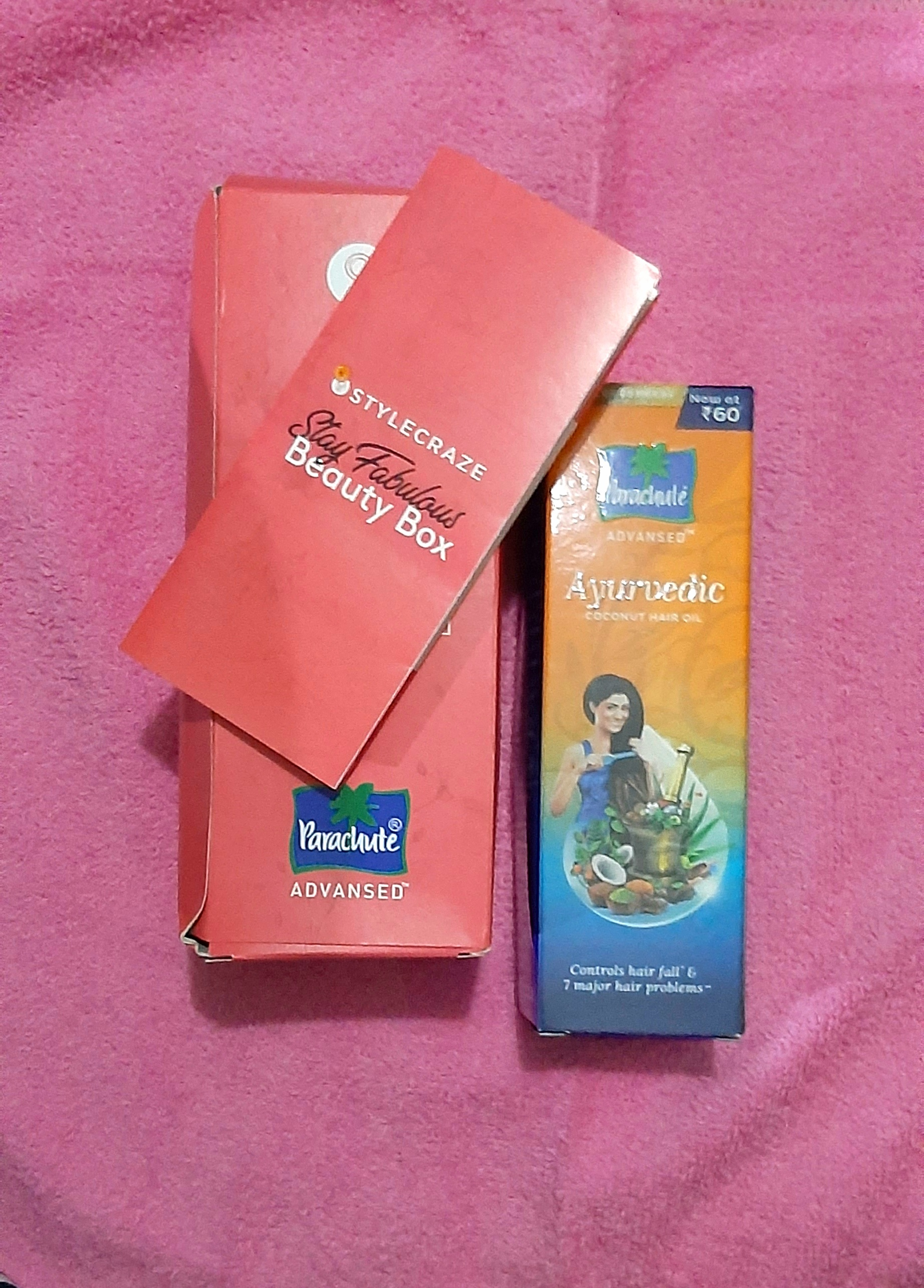 Parachute Advansed Ayurvedic Coconut Hair Oil-Works Well and makes hair healthy and strong.-By siddiqa_shaikh-1